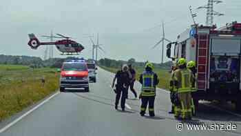 Unfall auf B5 – Stau in Husum: Schwer verletzt: Vater und Tochter überschlagen sich im Landrover – B5 drei Stunden gesperrt   shz.de - shz.de