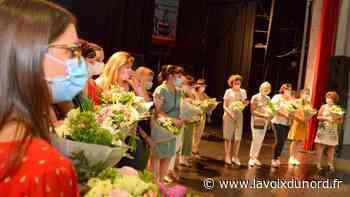 Hautmont: La municipalité, fière de ses soignants, leur remet fleurs et médailles - La Voix du Nord