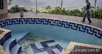 Professor de Pomerode que tinha suástica no fundo da piscina modifica desenho - O Munícipio