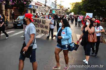 Manifestantes de Alfenas aderem a ato nacional contra Bolsonaro e a favor da vacinação - Alfenas Hoje