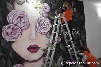 Pinta San Luis abraza a las mujeres con un mural - Agencia de Noticias San Luis