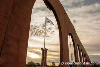 En San Luis flamea la bandera más alta de Argentina - Agencia de Noticias San Luis