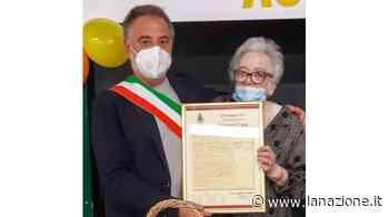 Auguri a Lidia Salvanti per i suoi cento anni Il regalo del sindaco - LA NAZIONE