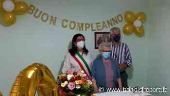 Cento candeline per nonna Concetta: sindaco e vice portano gli auguri della comunità - BrindisiReport
