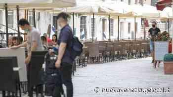 Bar e ristoranti fatturati al 30 per cento, a Venezia plateatici ovunque per salvare l'estate - La Nuova Venezia