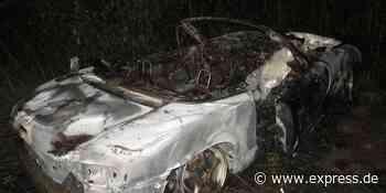 Auto brennt in Frechen aus: Fahrzeug hatte Unfall in Hürth - EXPRESS
