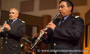 La Banda de música de la Policía de San Luis dedicó un tema a todos los padres en su día - El Diario de la República
