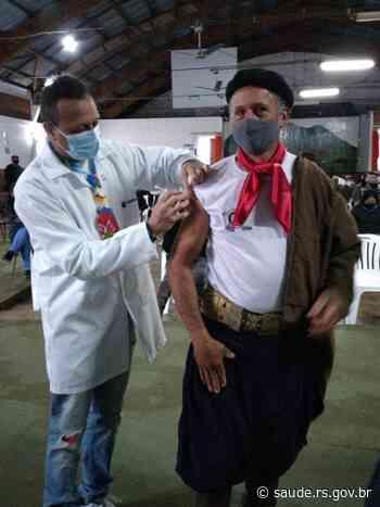 Rio Grande do Sul recebe mais 526,5 mil vacinas AstraZeneca para garantir segunda dose da imunização - Secretaria da Saúde