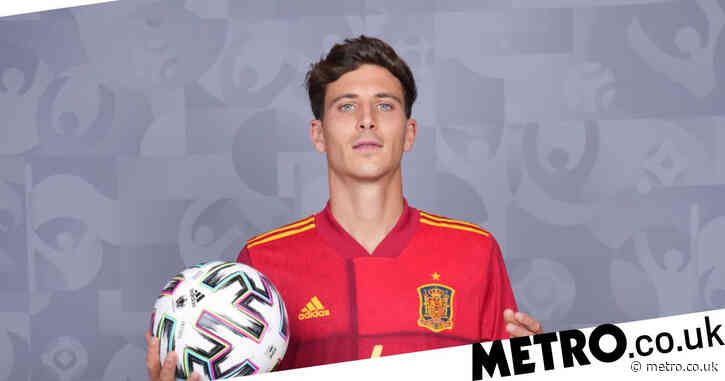Pau Torres responds directly to Manchester United transfer speculation