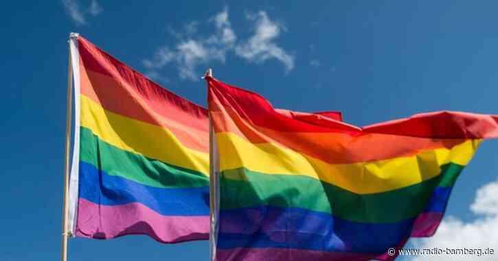 Amnesty International will Regenbogenfahnen verteilen