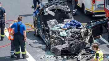 Vier Männer sterben bei Unfall auf A3 bei Regensburg