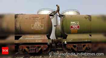 Crude output slips 6.3% in May, gas production jumps