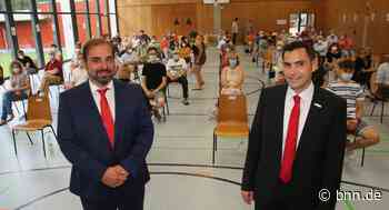 Zwei der drei Bürgermeisterkandidaten stellen sich in Keltern-Weiler erstmals vor - BNN - Badische Neueste Nachrichten