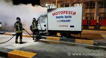 Furgone in fiamme agli imbarchi di Villa San Giovanni: salvato il carico - Nuovo Sud