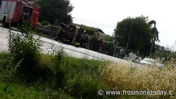 Un'auto si ribalta sulla superstrada Cassino - Formia - FrosinoneToday
