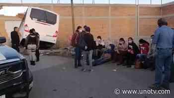 Camión de transporte de personal choca luego de quedarse sin frenos - Uno TV Noticias