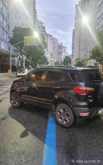 Trio é preso com réplica de pistola em Copacabana - O Dia