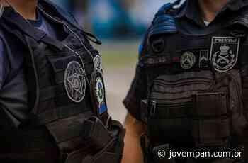 Quadrilha usa fardas da polícia para roubar casas no Rio de Janeiro - Jovem Pan