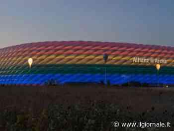 """""""No allo stadio arcobaleno"""". Ma la Juve si colora il logo"""