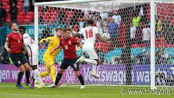 Euro 2020: Raheem Sterling goal ensures England win and top Group D