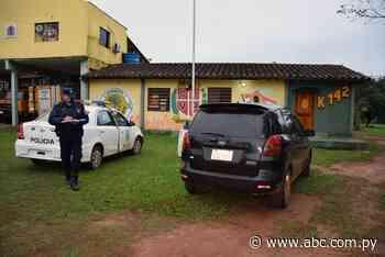 Abandonan auto en predio de bomberos de San Juan Nepomuceno - Nacionales - ABC Color