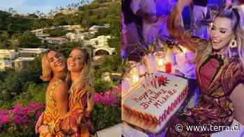 En Acapulco: El glamouroso cumpleaños 32 de Michelle Salas fue al estilo de los años 60's - Terra Chile