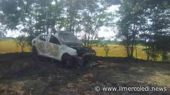 TROFARELLO - A fuoco una macchina nelle campagne - Il Mercoledi
