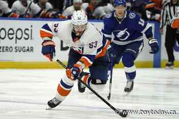 Islanders aim to forget blowout, set for Lightning in Game 6