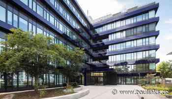 """Technologiegebäude """"BAU 11"""" am Rohde & Schwarz-Campus erstrahlt in neuem Glanz mit viel Glas"""