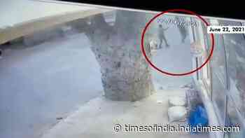 Caught on cam: Terrorists shoot cop at point-blank range in Srinagar's Nowgam