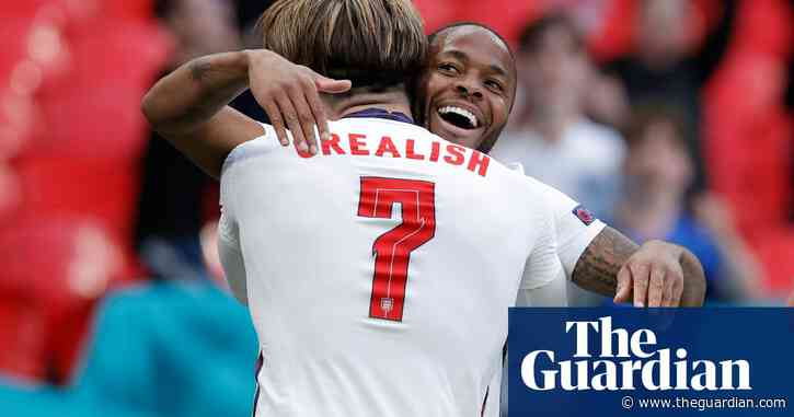 England beat Czech Republic to top group as Raheem Sterling strikes again
