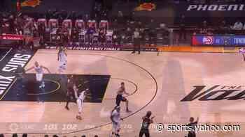 Devin Booker with a 2-pointer vs the LA Clippers