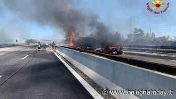 Incidente e incendio sulla A1: scontro camion-auto, due morti. Autostrada Bologna-Milano chiusa|VIDEO e FOTO - BolognaToday