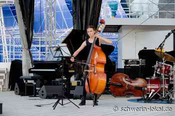 Schwerin: Kira eröffnete die Jazznacht auf dem Alten Garten - Schwerin-Lokal