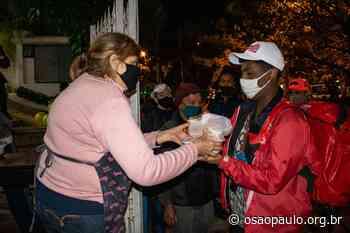 Há quase 40 anos, a Paróquia Senhor Bom Jesus dos Passos oferece jantar a pessoas em situação de rua - Jornal O São Paulo