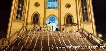 PASSOS   Em meio de protestos e homenagens as vítimas da Covid-19, marcam a noite do último domingo na cidade - Portal Onda Sul - Portal Onda Sul