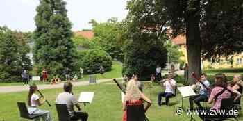 Bläsermusik im Winnender Schloss-Park für die Patienten - Winnenden - Zeitungsverlag Waiblingen - Zeitungsverlag Waiblingen