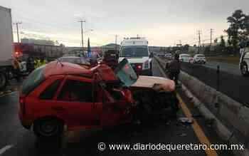 Conductor trasladado de gravedad tras choque en la libre a Celaya - Diario de Querétaro