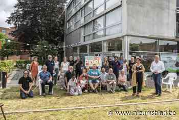 Buurthuis brengt bewoners Hof van 't Henneken dichter bij elkaar - Het Nieuwsblad