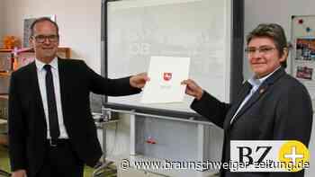 Oberschule Papenteich bekommt W-Lan und Mediaboards neu