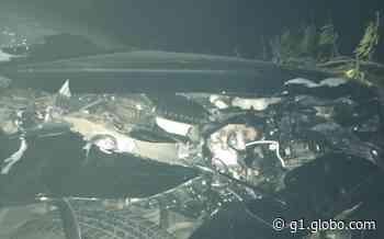 Carro que transportava prefeita de Juazeiro bate em animal e fica parcialmente destruído; não houve feridos graves - G1