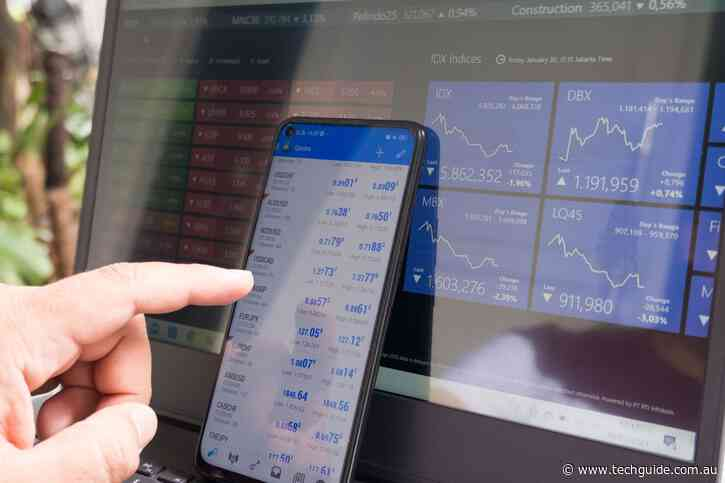 What's the difference between crypto and forex trading?