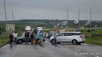 N.B.-N.S. border remains closed due to protest about isolation requirements