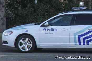 Dronken bromfietser (39) probeert agenten te slaan in Neeroeteren
