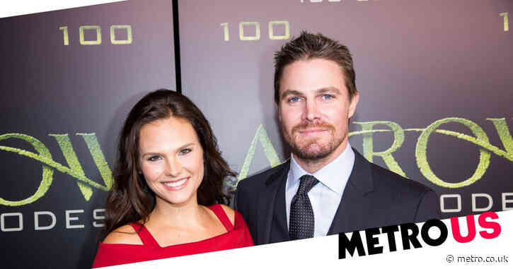 Arrow star Stephen Amell removed from flight after altercation with his wife