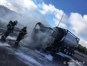 Langres : un camion transportant 14 tonnes de produits toxiques s'enflamme sur l'A31 - le Journal de la Haute-Marne