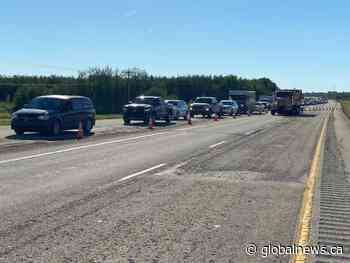 Wildfire near Evansburg prompts evacuation order in Yellowhead County, Highway 16 closure