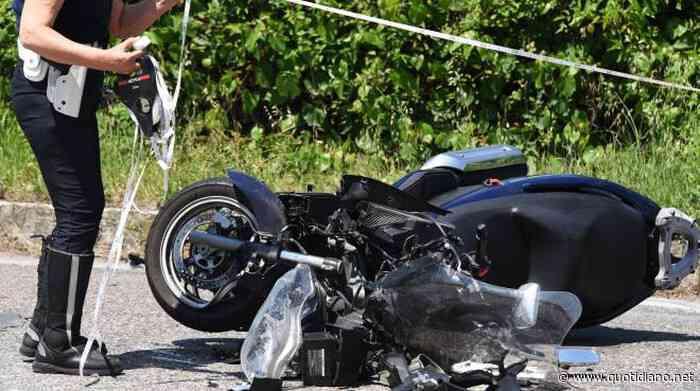Portici: rapina proprietario di una Smart, ma non sa guidarla. Ripiega su scooter e cade - QUOTIDIANO NAZIONALE