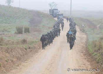 "Batalhão ""Borba Gato"" realiza marcha de 12 km em Pindamonhangaba - Vale News"