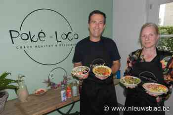 Koppel maakt gezonde maaltijden op Hawaïaanse wijze